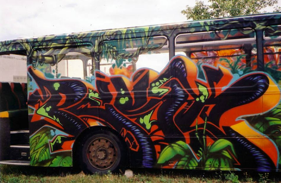 Bus Mural by Pest